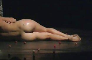 J15 Solo 5 - Adolescente morena porno hentay en español latino con piruleta