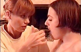 Chica caliente humeante recibe una en español latino xxx gran polla entre sus piernas