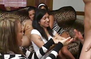 Chrissy es lamida videos porno gratis en latino por su esposa hasta el orgasmo