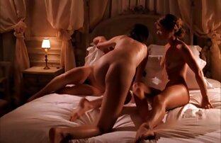 Geiler Teeny steckt sich alles en die Fotze peliculas porno audio latino