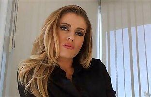 Esposa italiana porno casero latino en español es golpeada por dos negros semental.